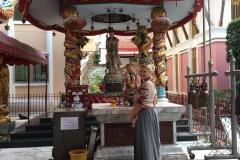 Great standing Buddha Bangkok (3)