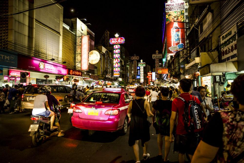 Chinatown bei Nacht in Bangkok (c)shutterstock_631877315