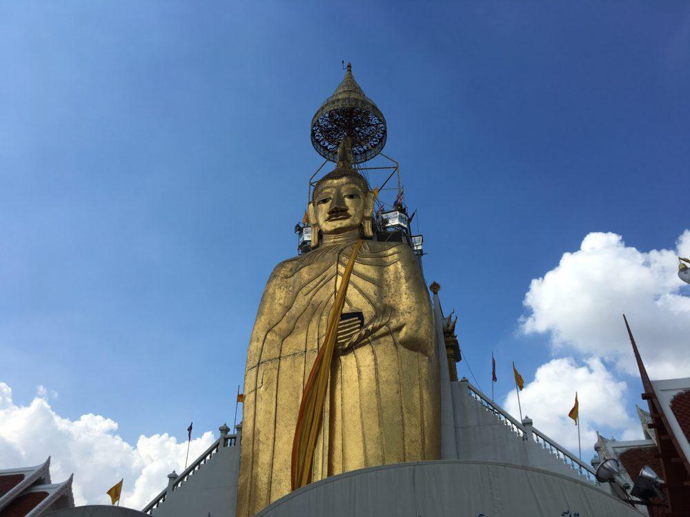 Great standing Buddha Bangkok (2)
