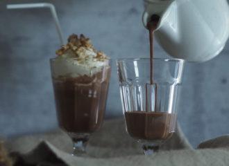 Schokoladen Milkshake mit Banane