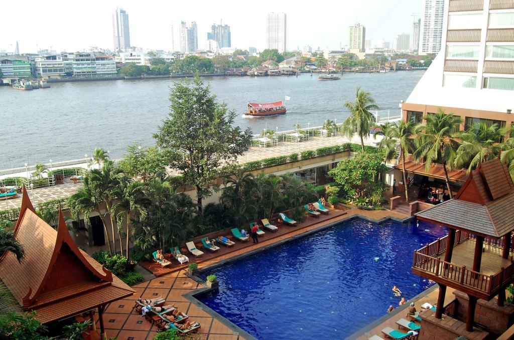 Pool Ramada Menam Riverside (c) Agoda/Ramada Menam