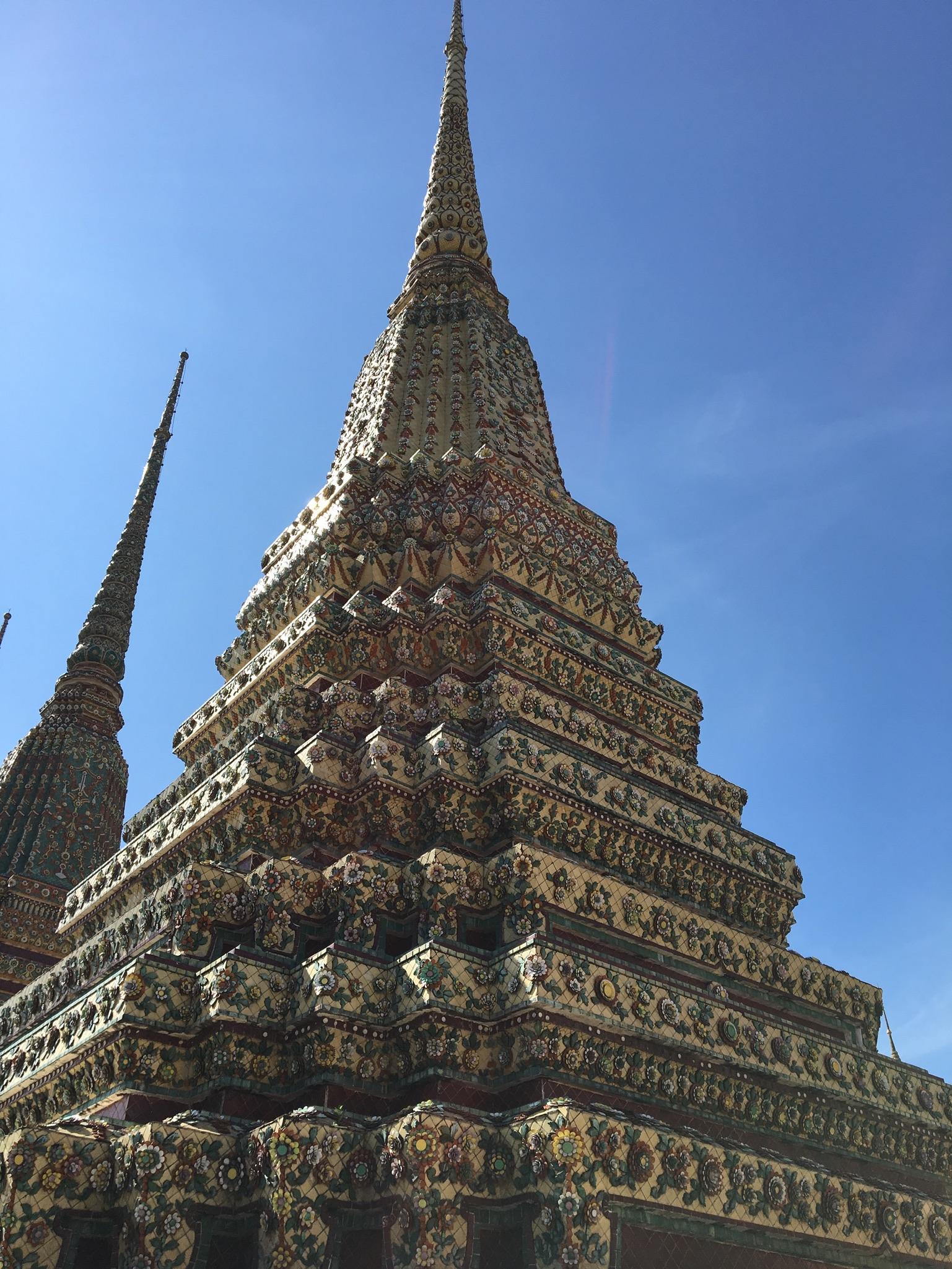 Chedis Wat Pho liegender Buddha Bangkok