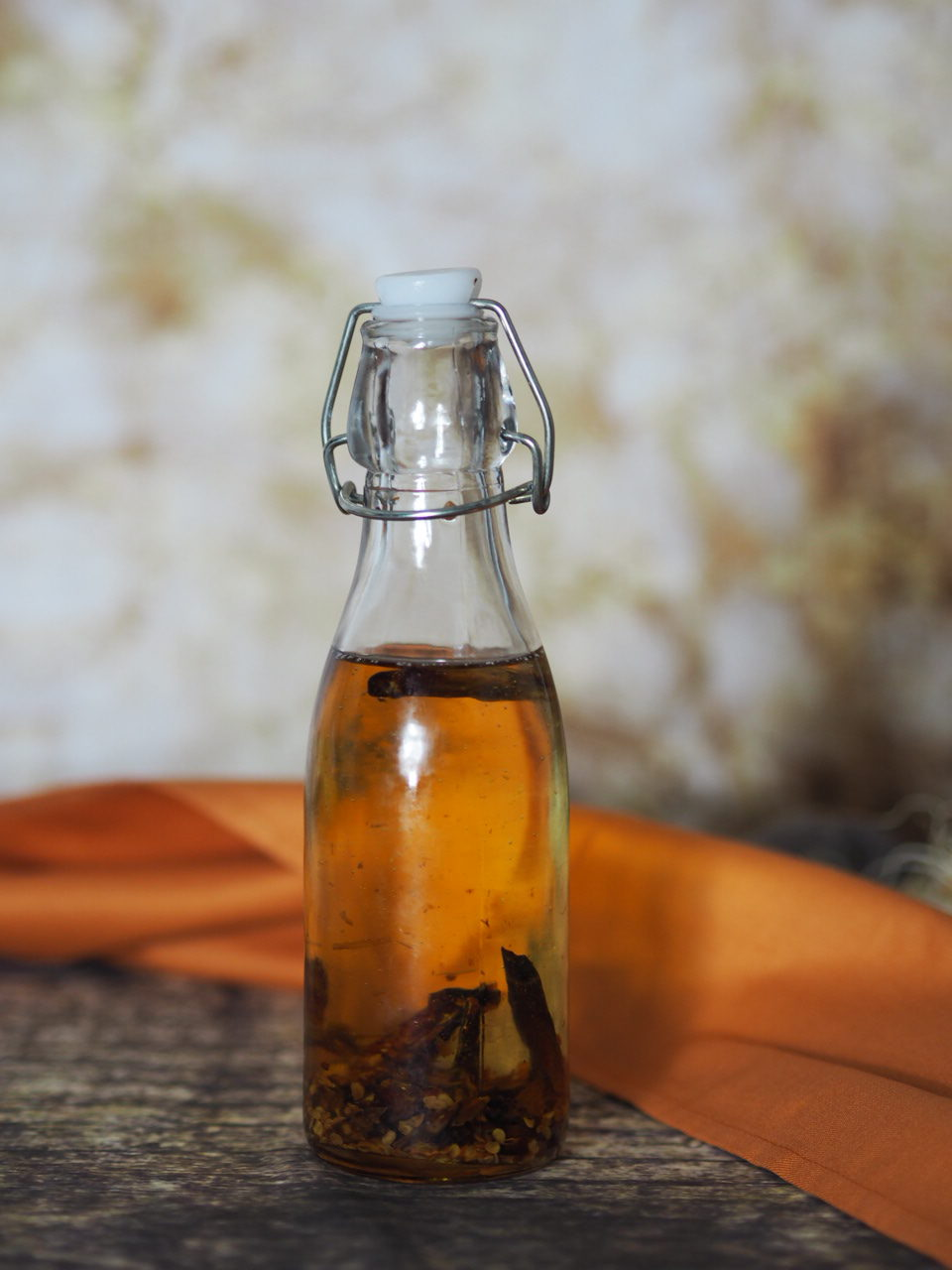 Selbstgemachtes scharfes Chiliöl