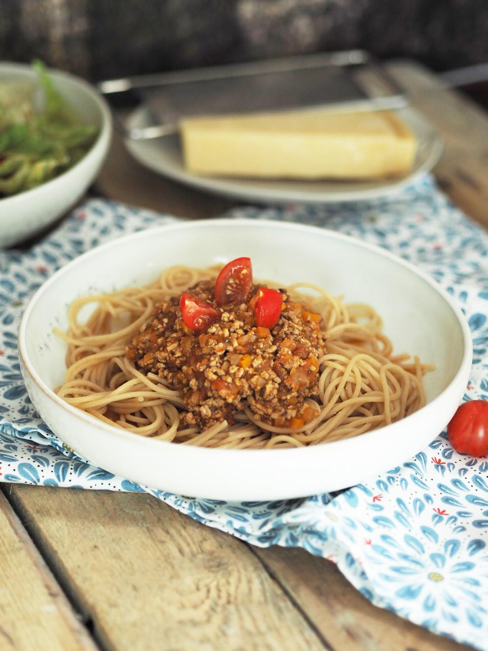 ciao bello classico spaghetti bolognese. Black Bedroom Furniture Sets. Home Design Ideas