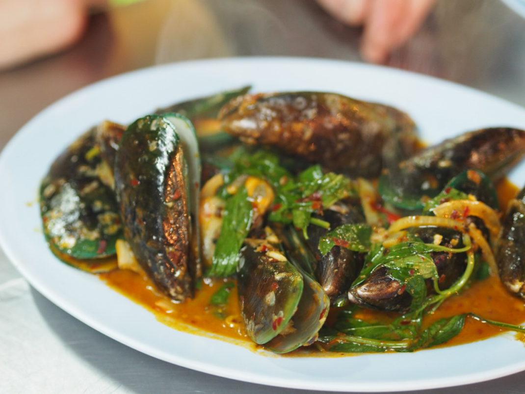 Streedfood-Bangkok-Chinaown-Muscheln