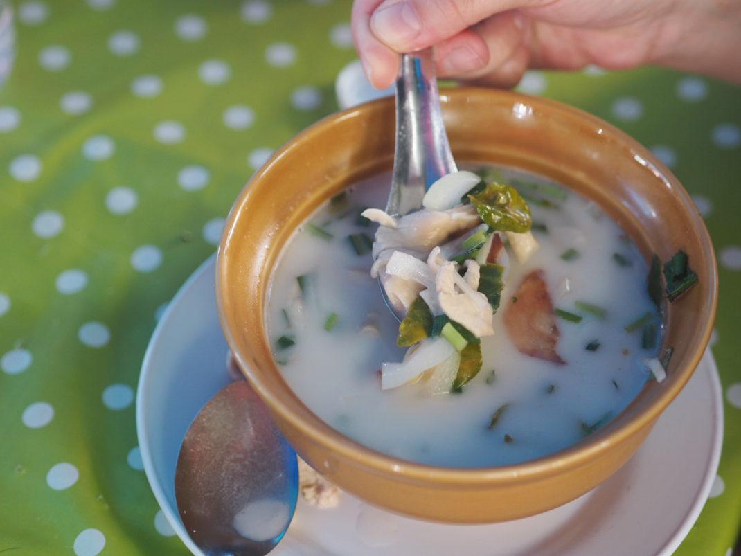 Tom-Kha-Gai-Suppe-Street-Food