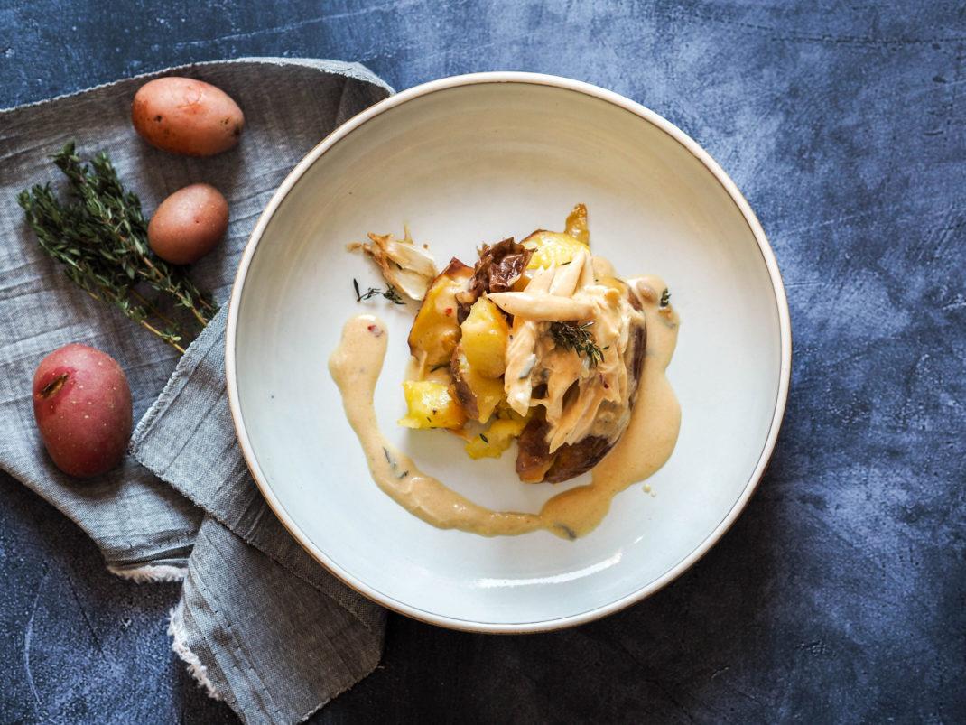 Smashed-Lungauer-Eachtling-mit-Käsesauce-und-Pulled-Chicken