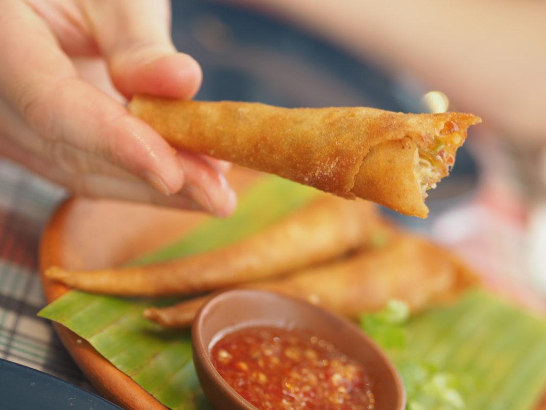 Thailändische-Küche-Spring-Rolls-Streetfood
