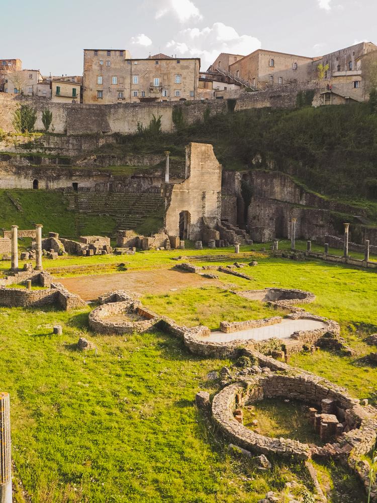 Amphitheater in Volterra Toskana