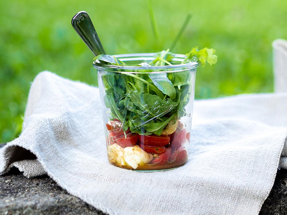 Caprese-Salat-mit-Tomaten-Mozarella